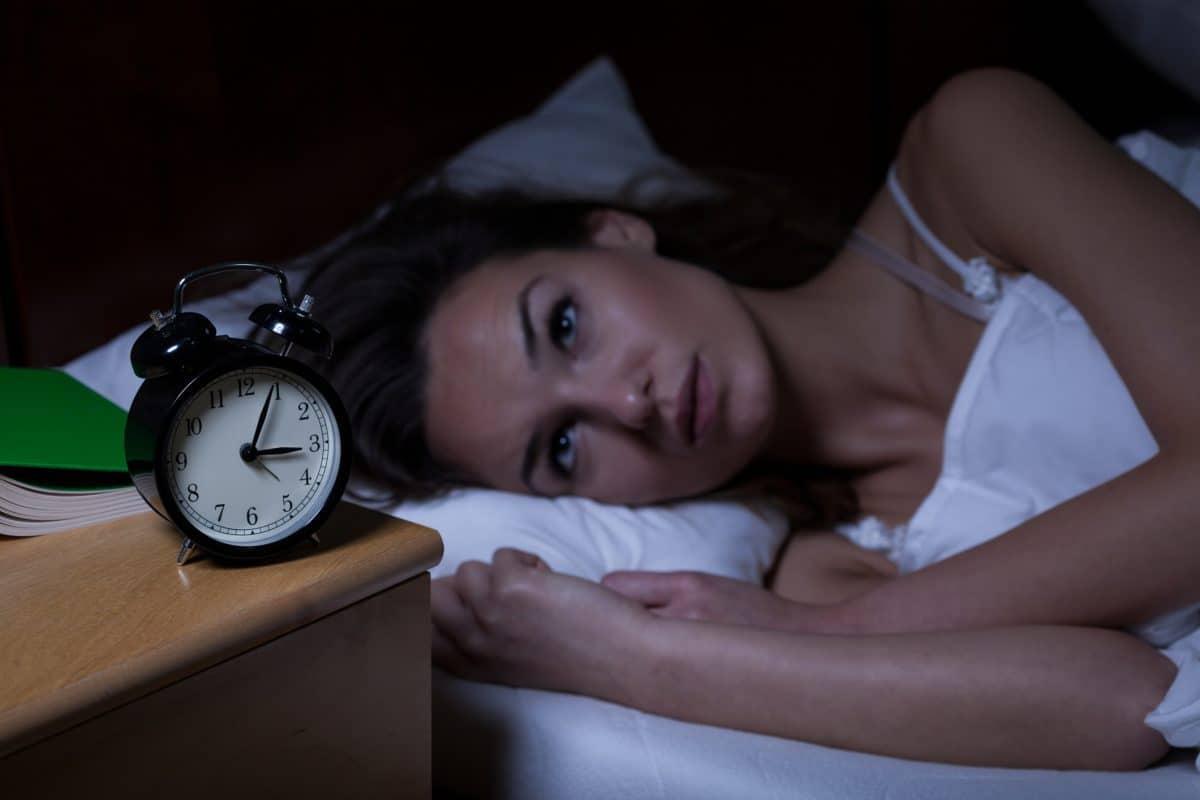 ways to sleep better, sleeping tips, sleep rituals, natural sleep aid,
