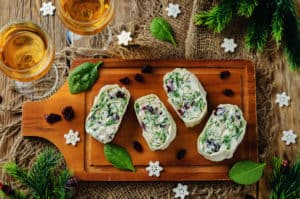 A Tasty Snack: Quick Spinach Roll-Ups