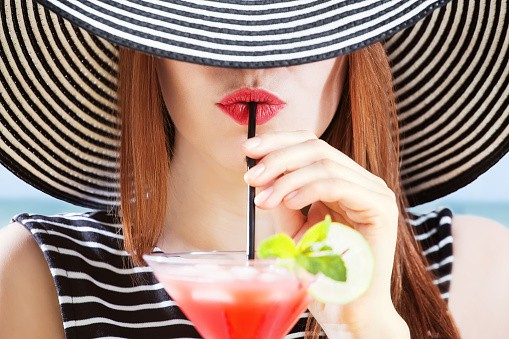 dangers of drinking, daily drinks, daily glass of wine, drinking increases your death risk
